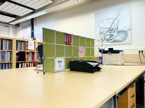 Schreibtisch Trennwand mit Schallschutzeinlagen