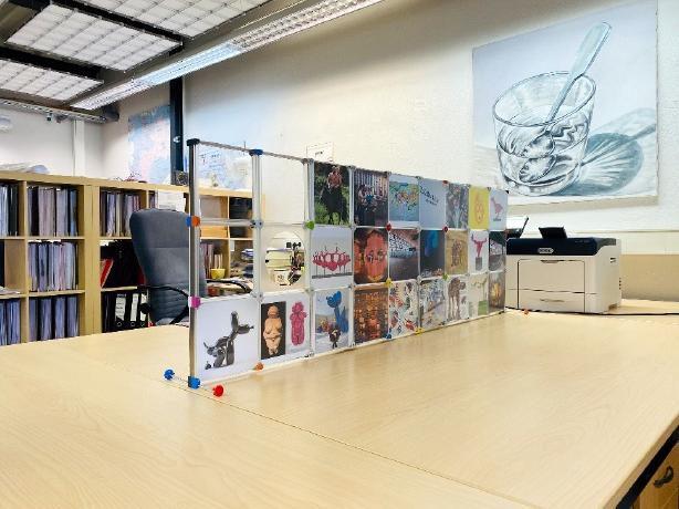 Schreibtisch Trennwand mit unterschiedlichen Motiven